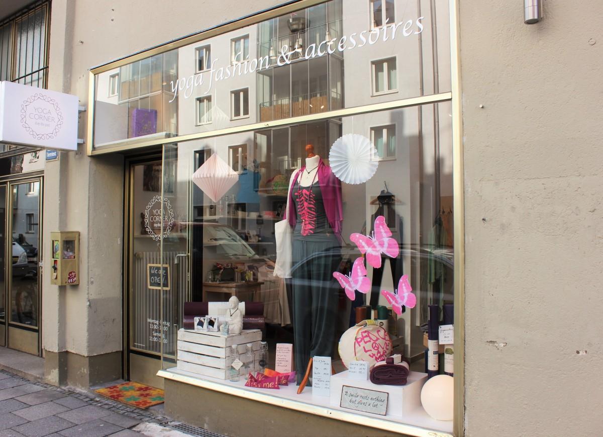 Yoga Corner München- kleiner Laden alles drin